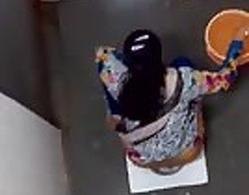 Desi Toilet Peep P2: Free Indian Porn Video 75 -