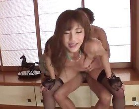 Sexy Japanese Babe Gets a Creampie