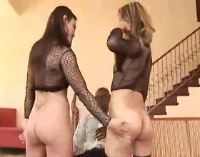 Jayna Oso and Lana Croft in FFM 3way action