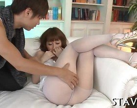 Cute Japanese's lusty blowjob