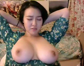 Busty Asian Chick Tits 01 - bustygirls69.com